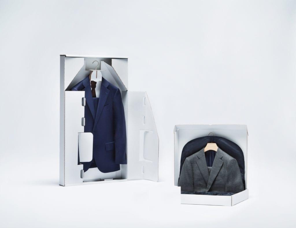 Sur Suit Supply, on reçoit son costume dans un packaging impeccable, on répond à vos questions en moins de deux heures…