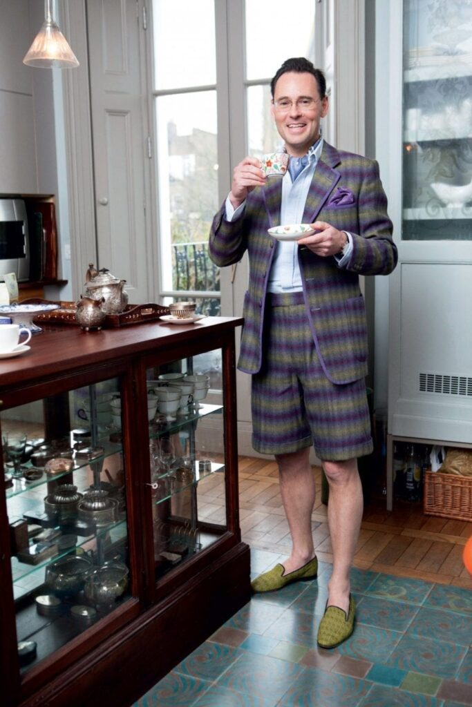 Guy Hills, Fondateur de Dashing Tweeds. Signe particulier : humour, tweed et bicyclette.