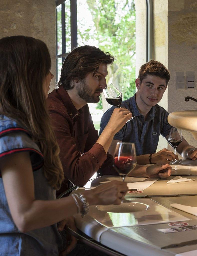 Aux dégustations à l'aveugle, les «seconds vins» du Château de Reignac rivalisent avec les grands crus classés. (© Château de Reignac)