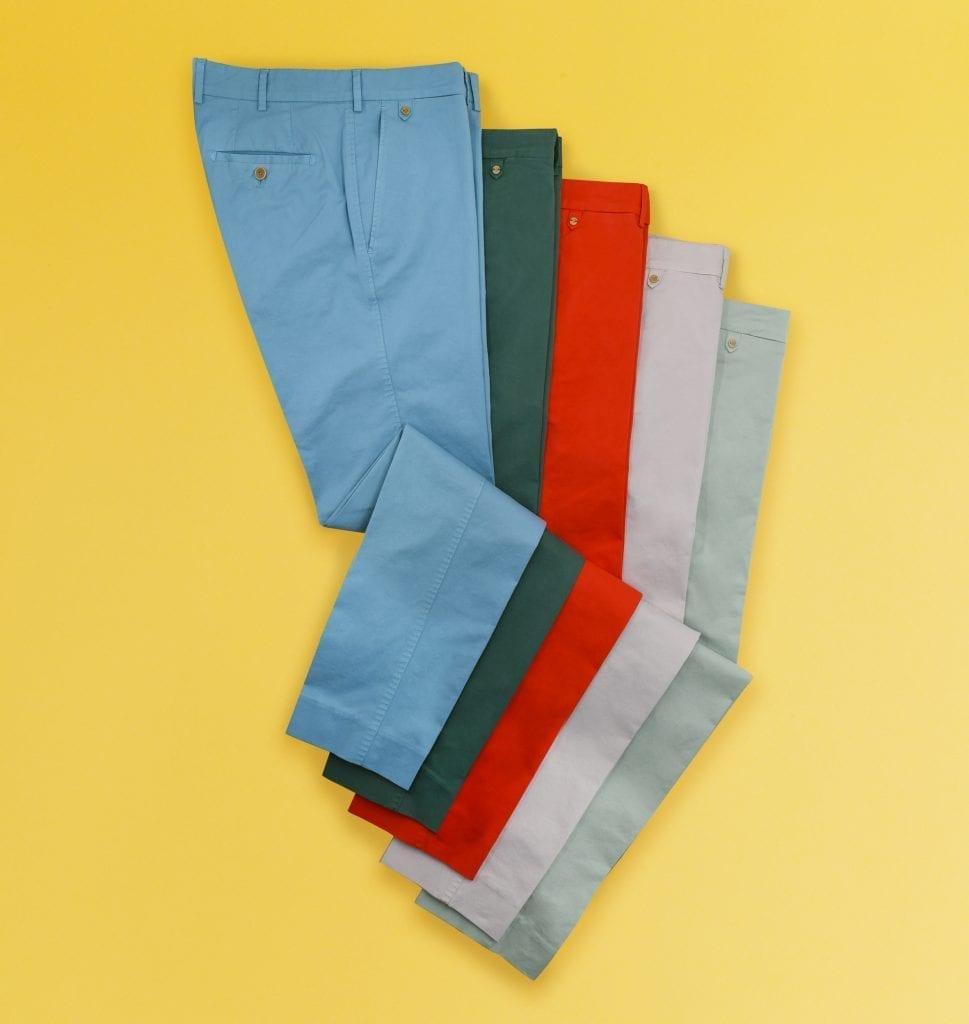 Chaque saison, Bernard Zins renouvelle sapalette de couleurs pour ses chinos : 18 au total.