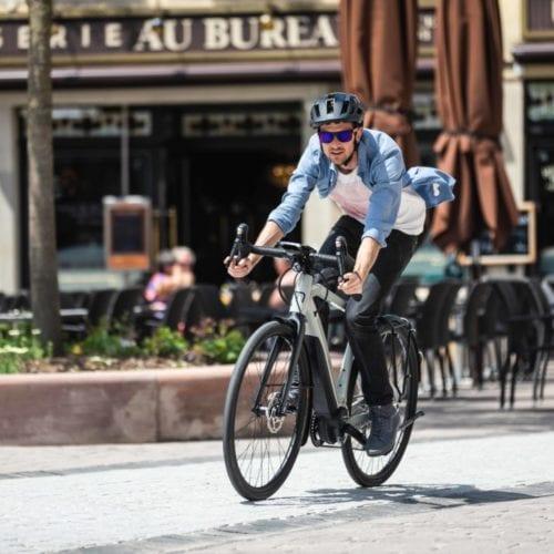 homme vélo ville